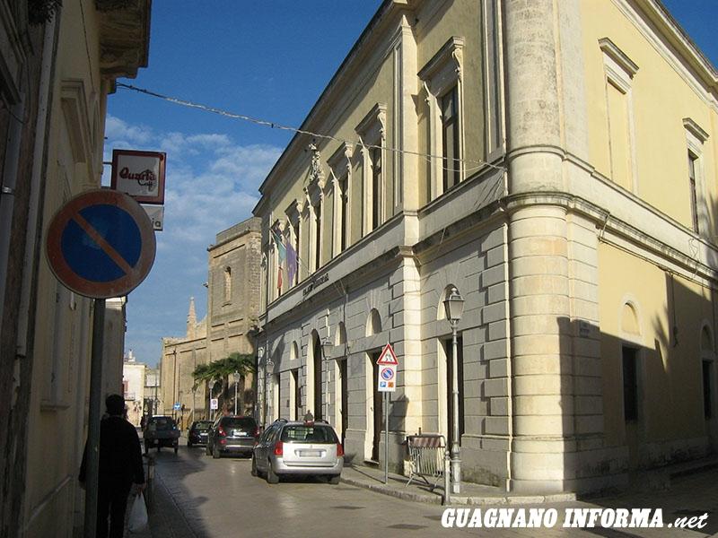 Il Palazzo Municipale di Salice Salentino (foto Emanuela De Blasi)