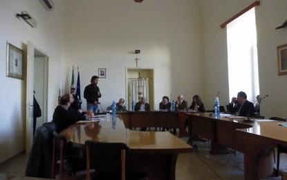 Disattesa la richiesta dell'opposizione salicese di spostare il Consiglio Comunale: «Totale mancanza di collaborazione e di buon senso»