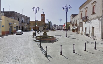 Collocato un defibrillatore in piazza a Veglie e ristrutturati i locali comunali del centro storico