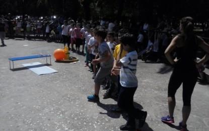 Lo sport tra i banchi di scuola. Le foto della manifestazione dei ragazzi di via Duca D'Aosta
