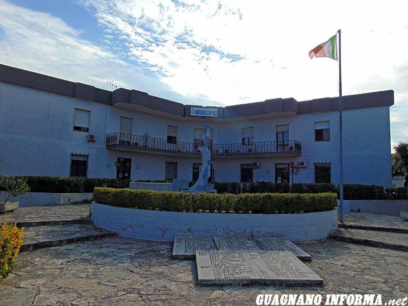 Il Palazzo Municipale di Veglie (foto Luca Ciccarese)