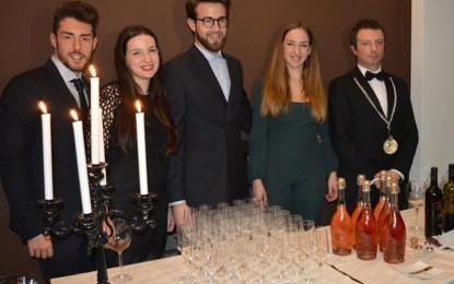 Vini made in Guagnano protagonisti stasera a Berlino, insieme alle spiagge più belle del Salento
