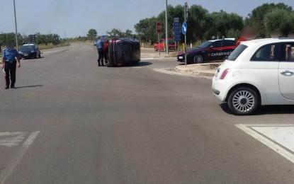 Violento scontro tra auto sulla circonvallazione di Veglie, fortunatamente per i passeggeri solo lievi ferite