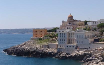 Attivato il servizio di trasporto per Santa Cesarea Terme per i cittadini di Salice Le domande dovranno essere inviate all'Ufficio Protocollo del Comune entro il  31 agosto.