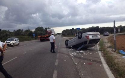 Violento impatto tra due auto sulla Salice-San Donaci. Uno dei due conducenti è stato condotto in ospedale