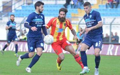 US Lecce: Perucchini salva i giallorossi, Moscardelli colpisce un palo. A Matera un punto guadagnato