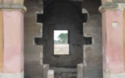 Mosaici antichi e fregi trafugati. Danneggiato un casolare nelle campagne di Guagnano