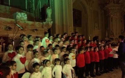 Bimbi in festa nella Chiesa Madre di Guagnano. Gli auguri degli alunni di via Provinciale