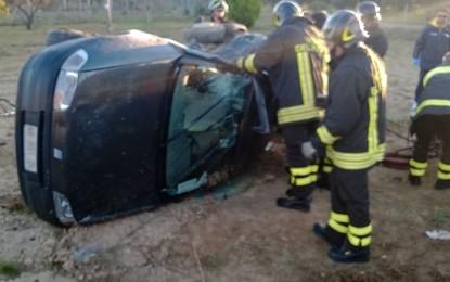 Tragico incidente sulla Campi-Guagnano. Muore in ospedale il conducente di una delle due auto coinvolte