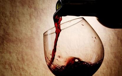 """Alla scoperta del """"nettare degli dèi"""", la Pro Loco di Veglie organizza il corso di avvicinamento al vino"""