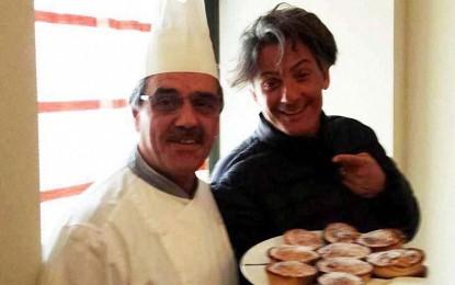 «Il padre biologico dei pasticciotti leccesi», Fiorello dedica un tweet allo chef salicese Mimino Simmini