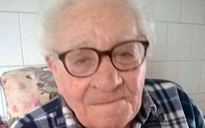 Nonno Damiano spegne 101 candeline. Grande festa con figli, nipoti e pronipoti in via De Giosa