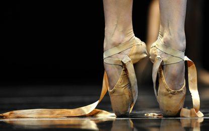 """""""Veglie Sotto le Stelle"""", domani in Piazza Ferrari lo spettacolo della scuola di danza """"Dancing Queen"""""""