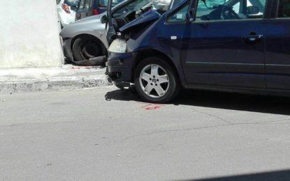 Scontro tra due auto a Guagnano, finisce in ospedale uno dei due conducenti: solo qualche ferita lieve