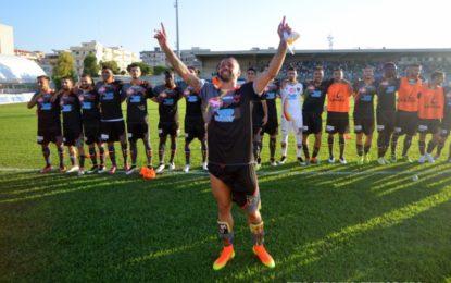 US Lecce, i giallorossi ripartono col piede giusto: a Monopoli finisce 1 a 2 per i salentini