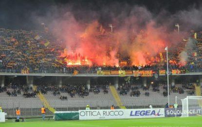 US Lecce, il derby termina con un pareggio. Giallorossi e Foggia escono tra gli applausi