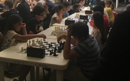 Torneo Giovanile di Scacchi di Pisignano, il piccolo guagnanese Mattia è il primo classificato nella Categoria Under 8