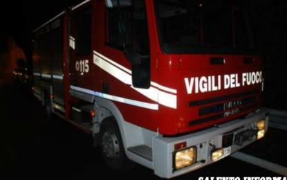Alle fiamme uno stand nei pressi della Fòcara, la cenere si era depositata sul telo in plastica