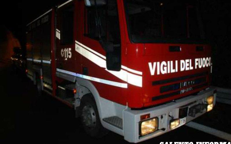 Notte di fuoco a Carmiano, incendiate due auto