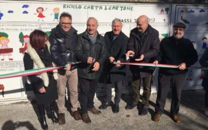 """Inaugurato ieri a Trepuzzi il murales """"Il riciclo dei rifiuti"""" realizzato dagli alunni del Polo 1"""