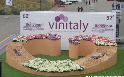 Le Cantine di Guagnano incantano il Vinitaly: occhialini avveniristici per fare un viaggio nelle vigne e nelle cantine salentine