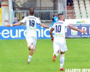 """US Lecce, al """"Pino Zaccheria"""" i giallorossi rimantono un doppio svantaggio: contro il Foggia termina 2 a 2"""