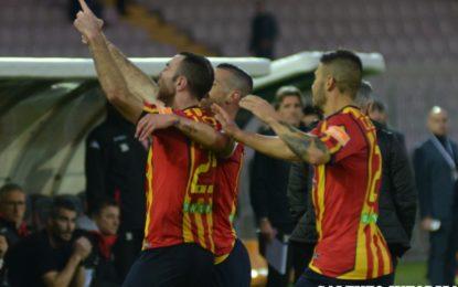 US Lecce, i salentini battono il Padova 3 a 2 e sono soli al secondo posto