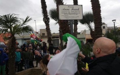 """Trepuzzi, inaugurata piazzetta """"Anne Frank"""" e consegnato il mosaico realizzato dai richiedenti asilo Sprar"""